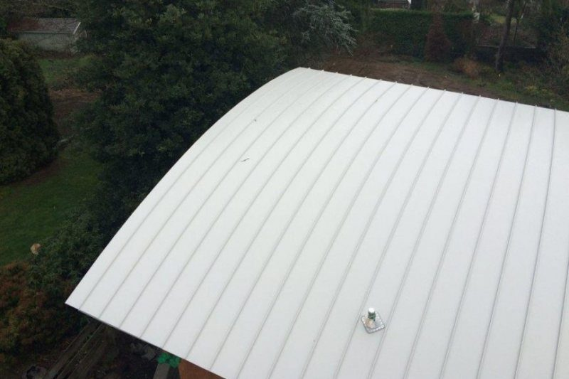 curved standing seam steel metal roof
