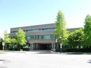 1280px-provincial_court_of_surrey_bc-2009-300x225